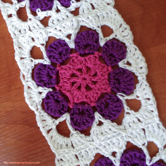 Granny square with flower