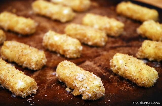 EchoPaul Official Blog: Baked Mozzarella Cheese Sticks Recipe