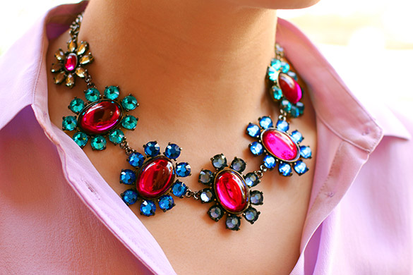 BaubleBar Fuchsia Bloom Collar
