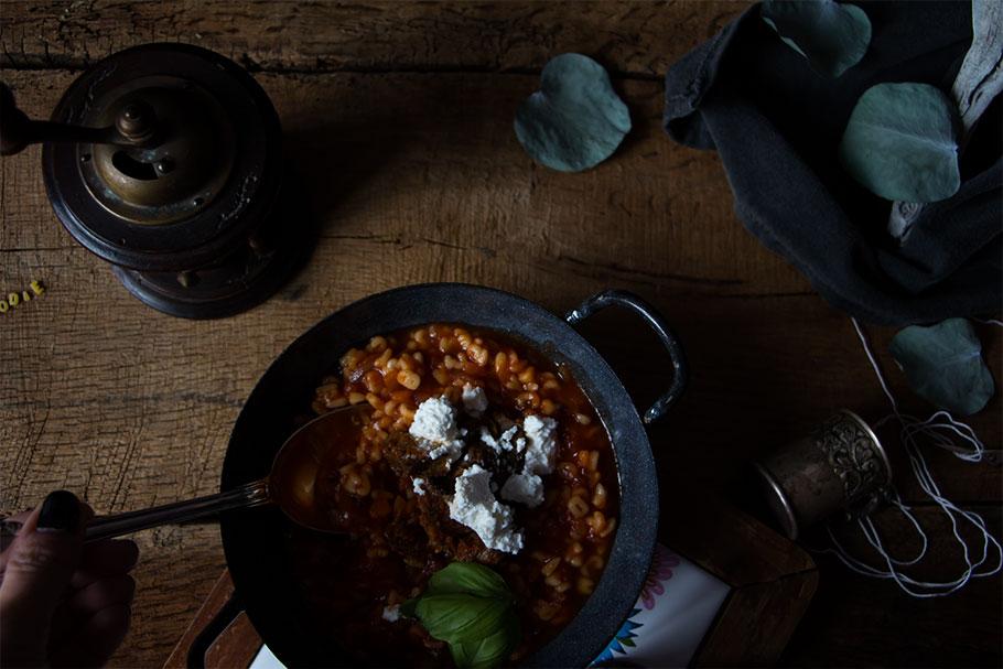 Sopa de tomate y ropa vieja