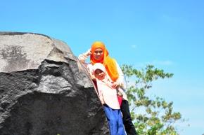 wisata taman gunung batu