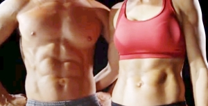 Imagine cu musculatura abdominala conturata frumos, cu ajutorul rotii de fitness Iron Gym Speed Abs