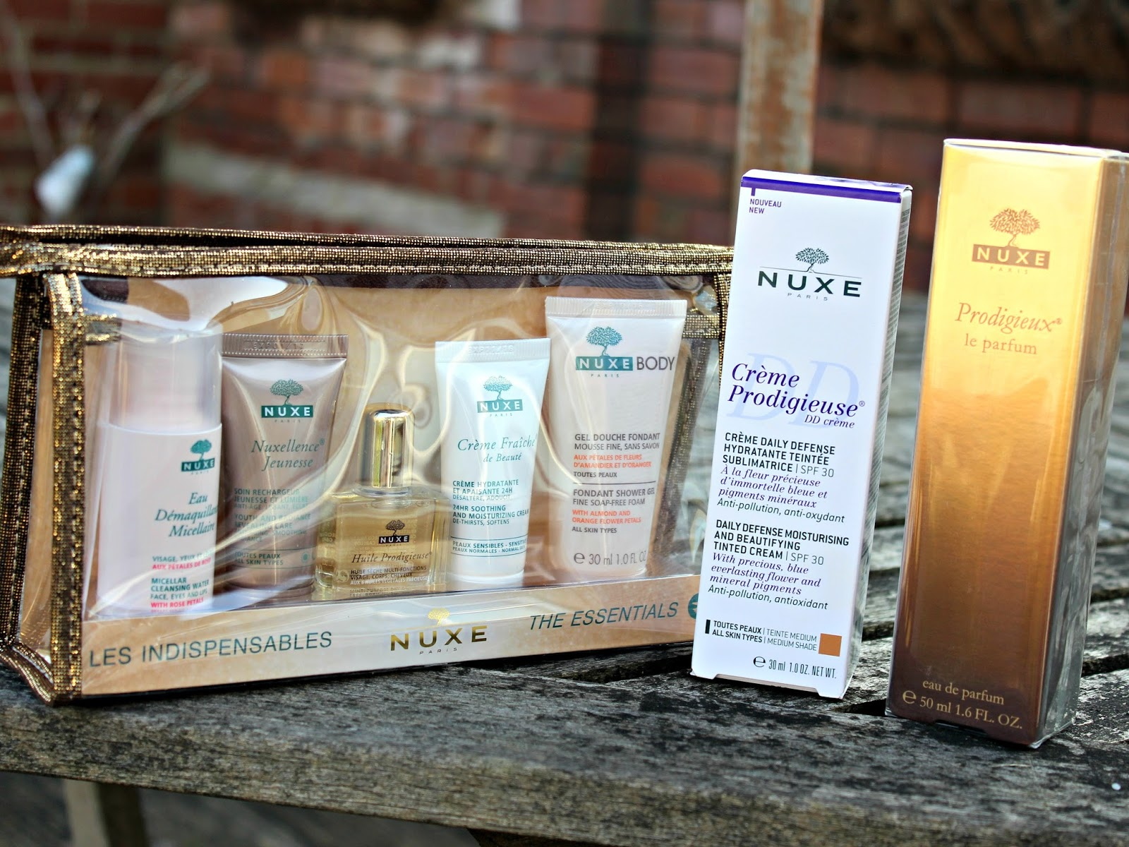 A picture of the Nuxe Travel Set, DD Cream and Prodigieux  Le Parfum