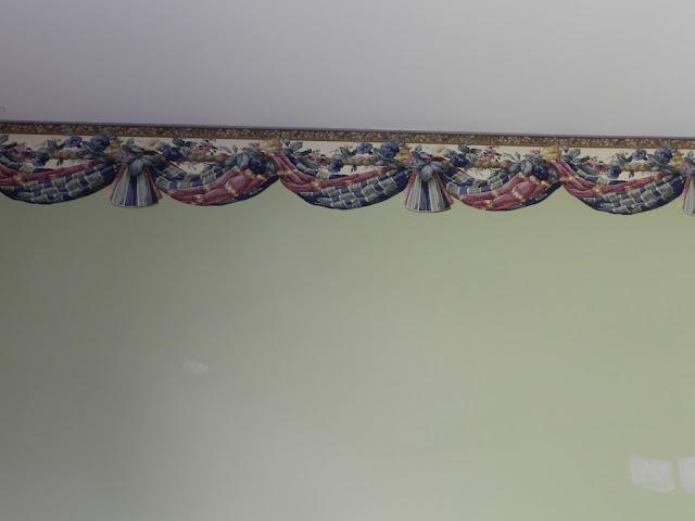 LCruzProperties: Removing a Wallpaper border
