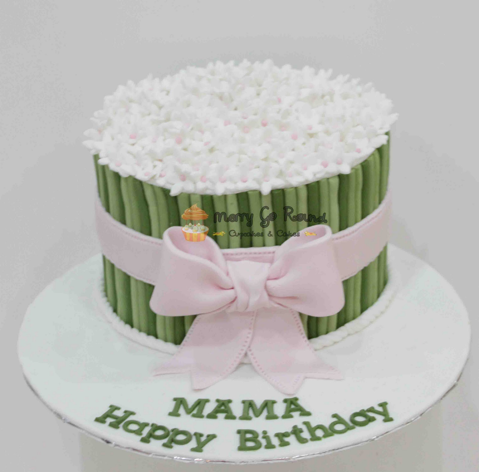 Merry go round cupcakes cakes pink white flower bouquet pink white flower bouquet izmirmasajfo