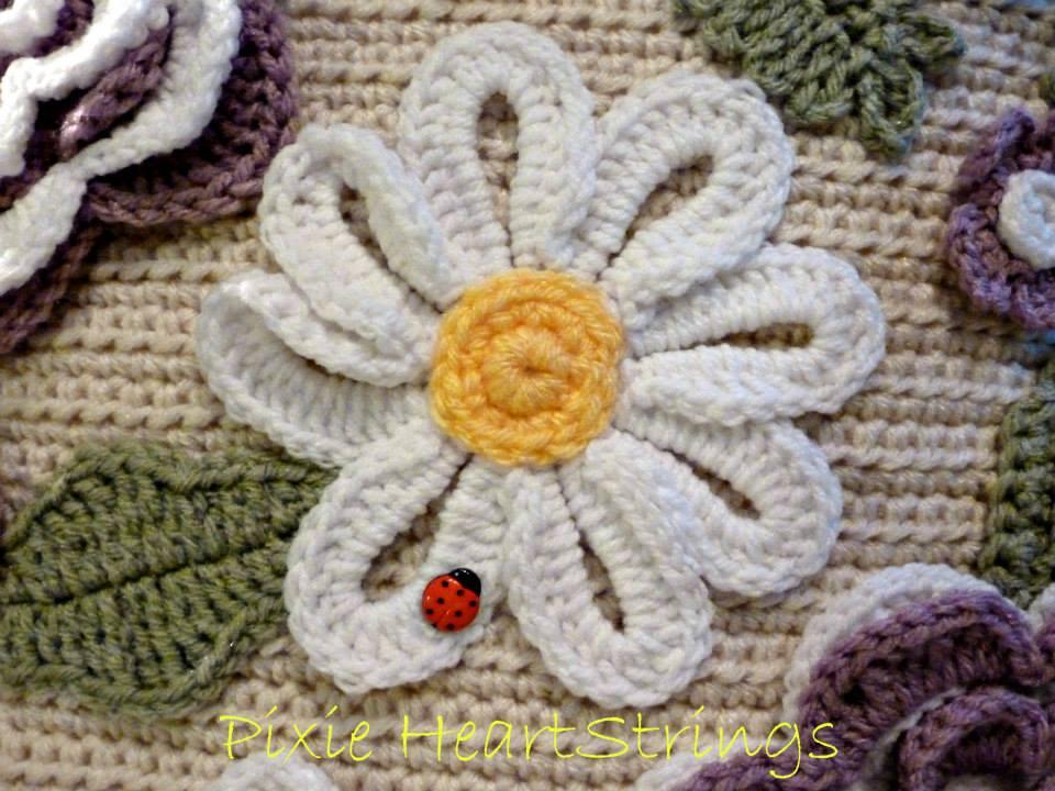 Ergahandmade  Floral Pillow