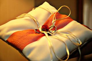Porta alianças de casamento  almofadinha tradicional