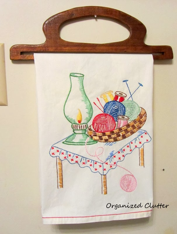 Repurposing Vintage Wooden Purse Handles www.organizedclutterqueen.blogspot.com