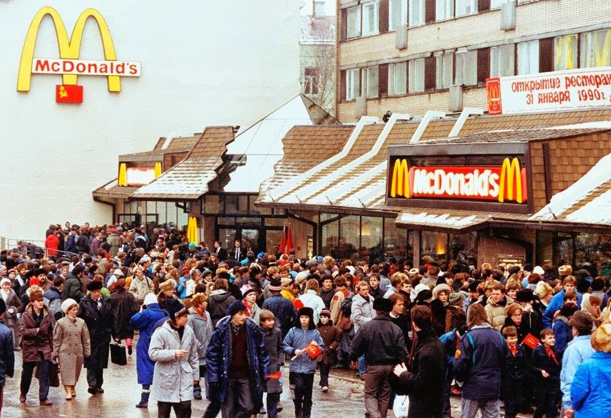 El primer McDonalds de Moscú