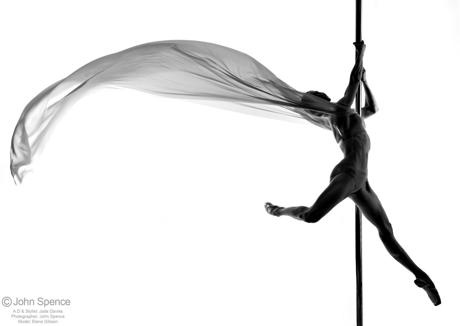 Танец с элементами стриптиза 20 фотография