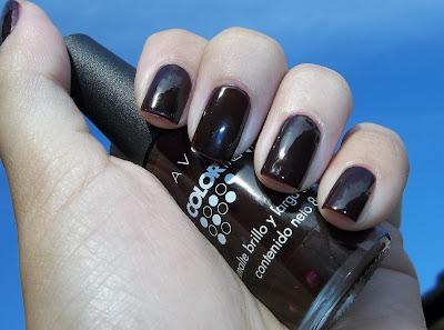 Esmalte Avon color trend Morado Oscuro
