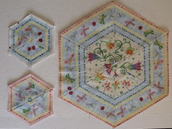 Treadle quilts table runner mania for Round table runner quilt pattern