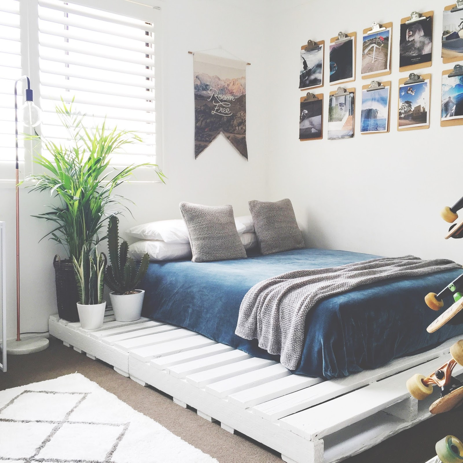 honey and fizz: Teen Bedroom - Finn\'s Room Makeover + Pallet Bed
