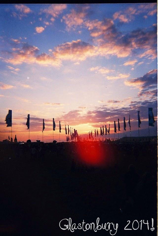 glastonbury 2014, sunset, flags,