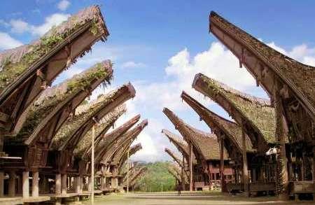Tempat Bersejarah di Indonesia - Tongkonan
