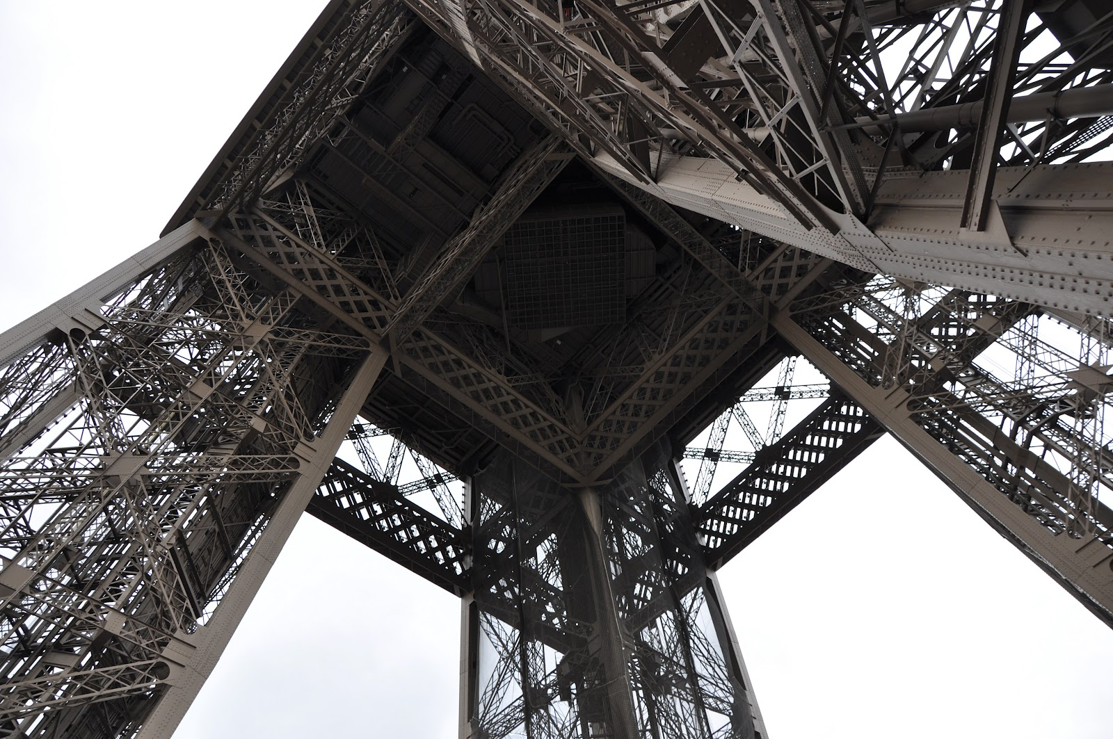 The Carry On Blog Eiffel Tower With Video Paris