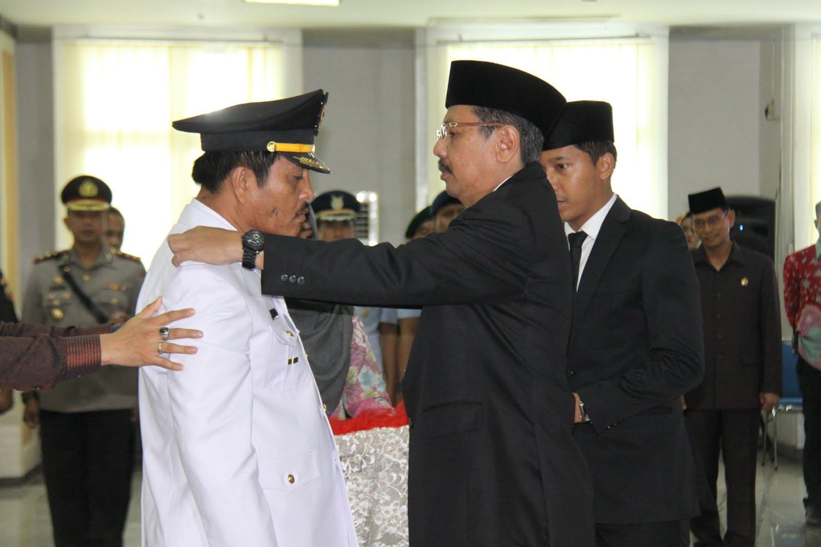 Gubsu H.T Erry Nuradi Lantik Wakil Bupati Simalungun Terpilih Ir Amran Sinaga,M.Si