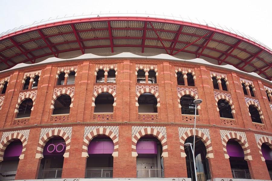 Торговый центр Арена на площади Испании, Барселона