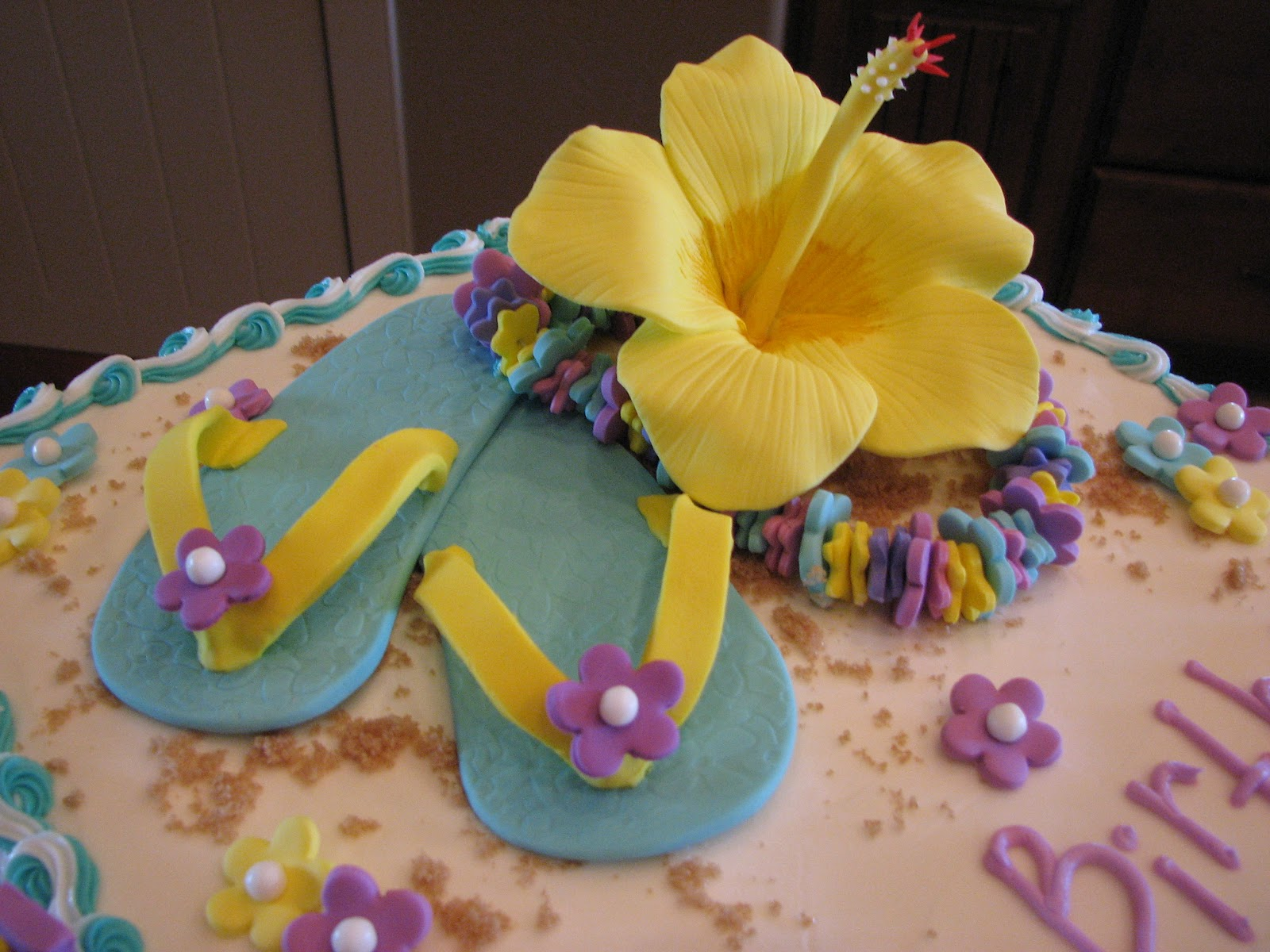 Gallery For Hawaiian Birthday Cakes Designs