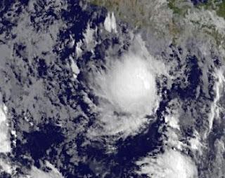 System 92-E bei Acapulco, Mexiko (potentiell Tropischer Sturm BUD) entwickelt sich langsam, aber sicher, Bud, aktuell, Satellitenbild Satellitenbilder, Mai, 2012, Hurrikansaison 2012, Nordost-Pazifik, Pazifik, Pazifische Hurrikansaison, 2012, Mexiko, Puerto Vallarta, Acapulco, Vorhersage Forecast Prognose,