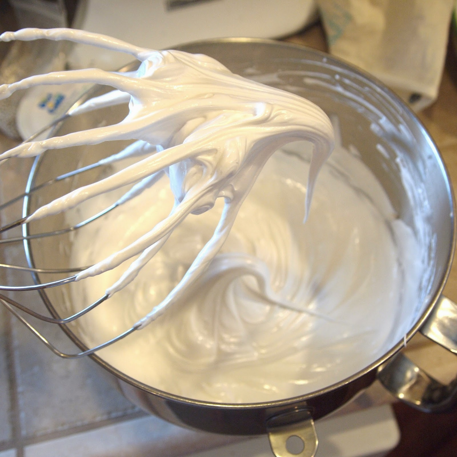 Seven Minute Frosting II Recipe — Dishmaps