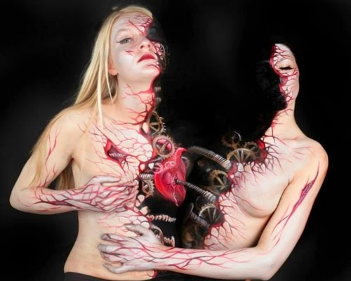 09-Gesine-Marwedel-Living-Art-in-Body-Painting-www-designstack-co