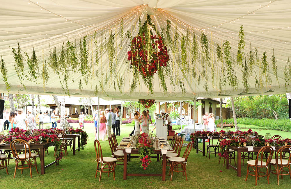 Florette bali flower installation of hot pink bougainvilleas above dinner tables junglespirit Choice Image