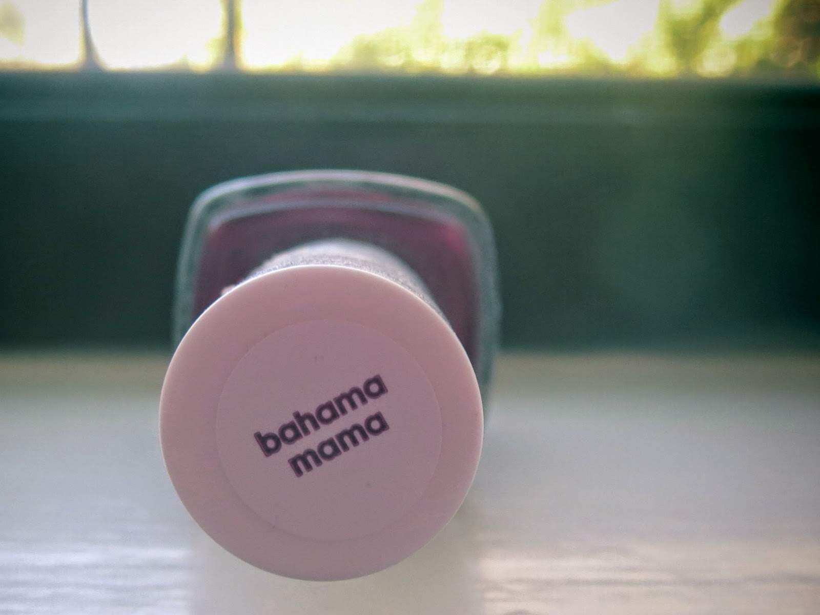 A picture of Essie's Bahama Mama
