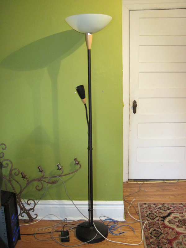 Ikea Kleiderschrank Rakke Gebraucht ~   April 30, 2011 Ikea floor lamp + reading light with dimmer, $25
