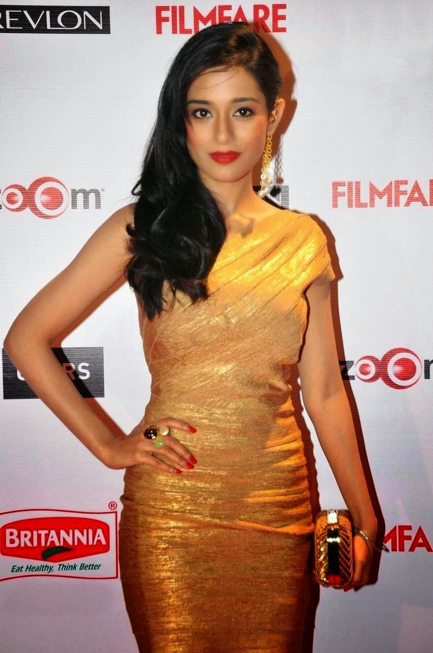Amrita-Rao-in-Golden-Mini-dress-Filmfare-Pre-Awards-Party