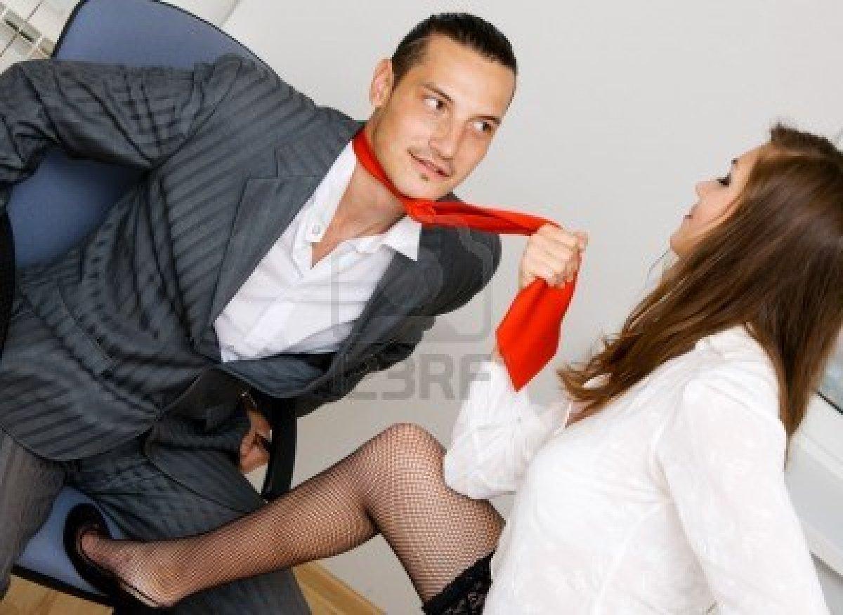 Студентка соблазняет парня, Сисястая русская студентка соблазнила парня на секс 1 фотография