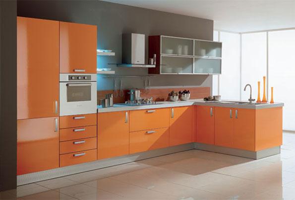 moderna en color naranja Un modelo de cocina lineal con fondo gris