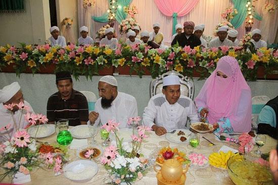 Gambar Anak Ustaz Azhar Idrus Kahwin 2014