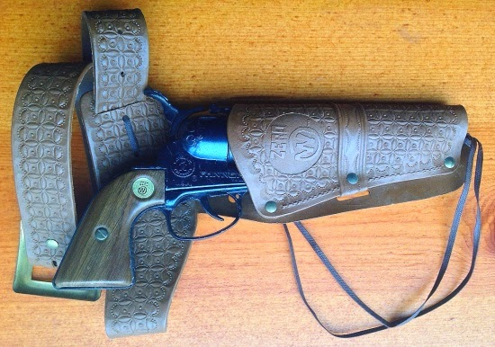 Davy crocketts almanack of mystery adventure and the wild west i have mighty few cap guns in their original boxes so i feel compelled to show off those i do next week ill yank this smokewagon out of the holster fandeluxe Images