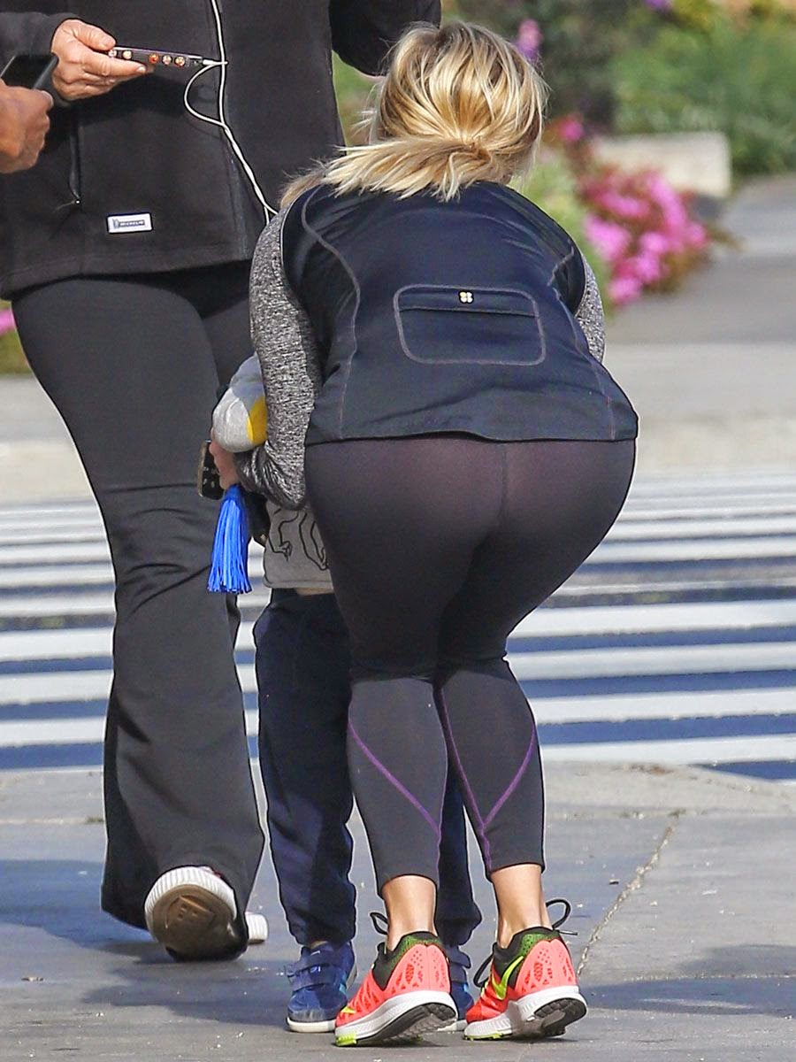 Actress, Singer: Reese Witherspoon - booty in tights while out in LA