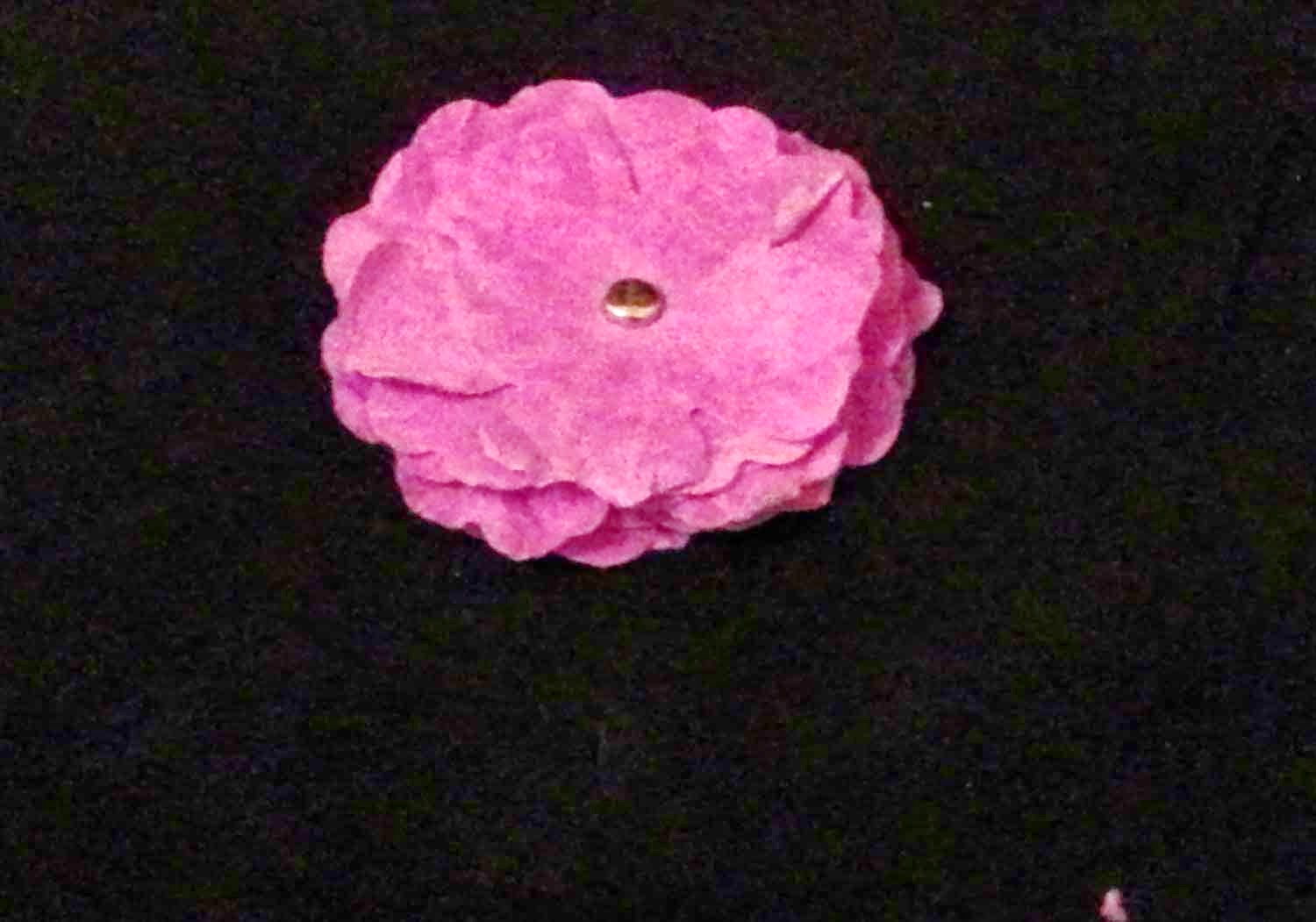 Do it yourself flowers, paper flowers, handmade flowers, how to make flowers.