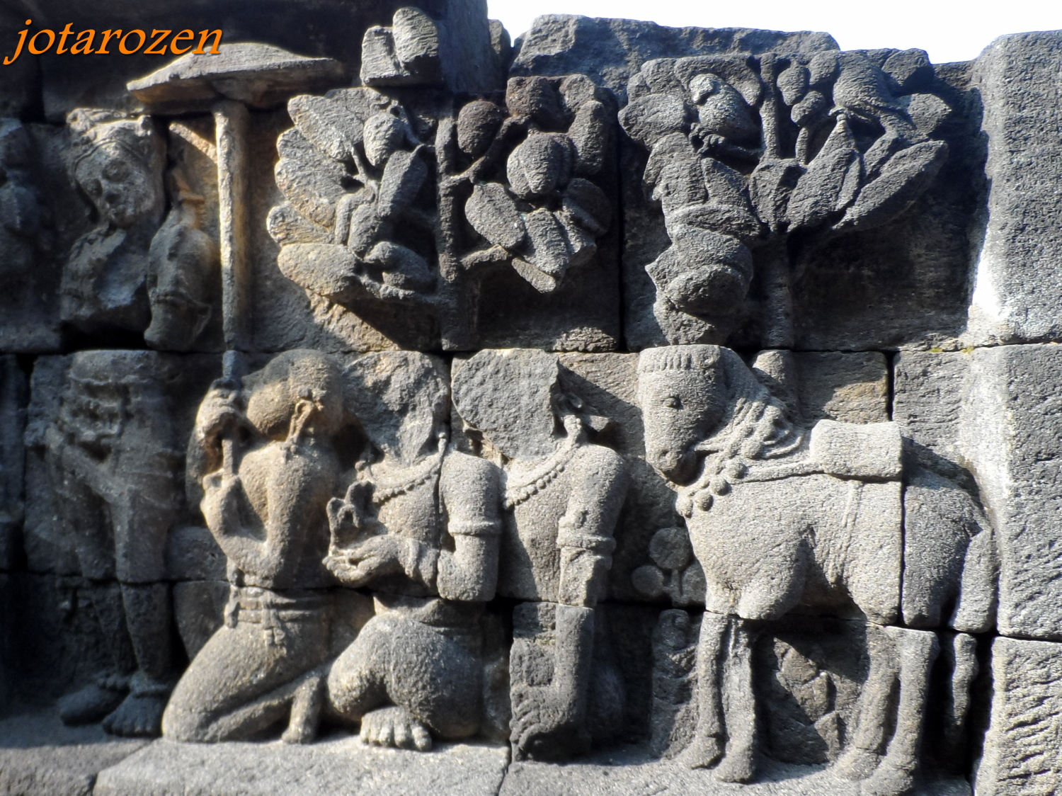 Footsteps jotaro s travels sites borobudur