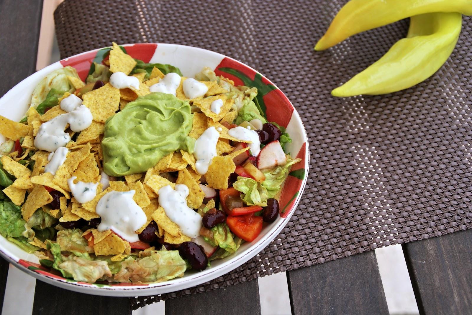 totally veg veganer nacho salat raffiniert und sommerlich. Black Bedroom Furniture Sets. Home Design Ideas