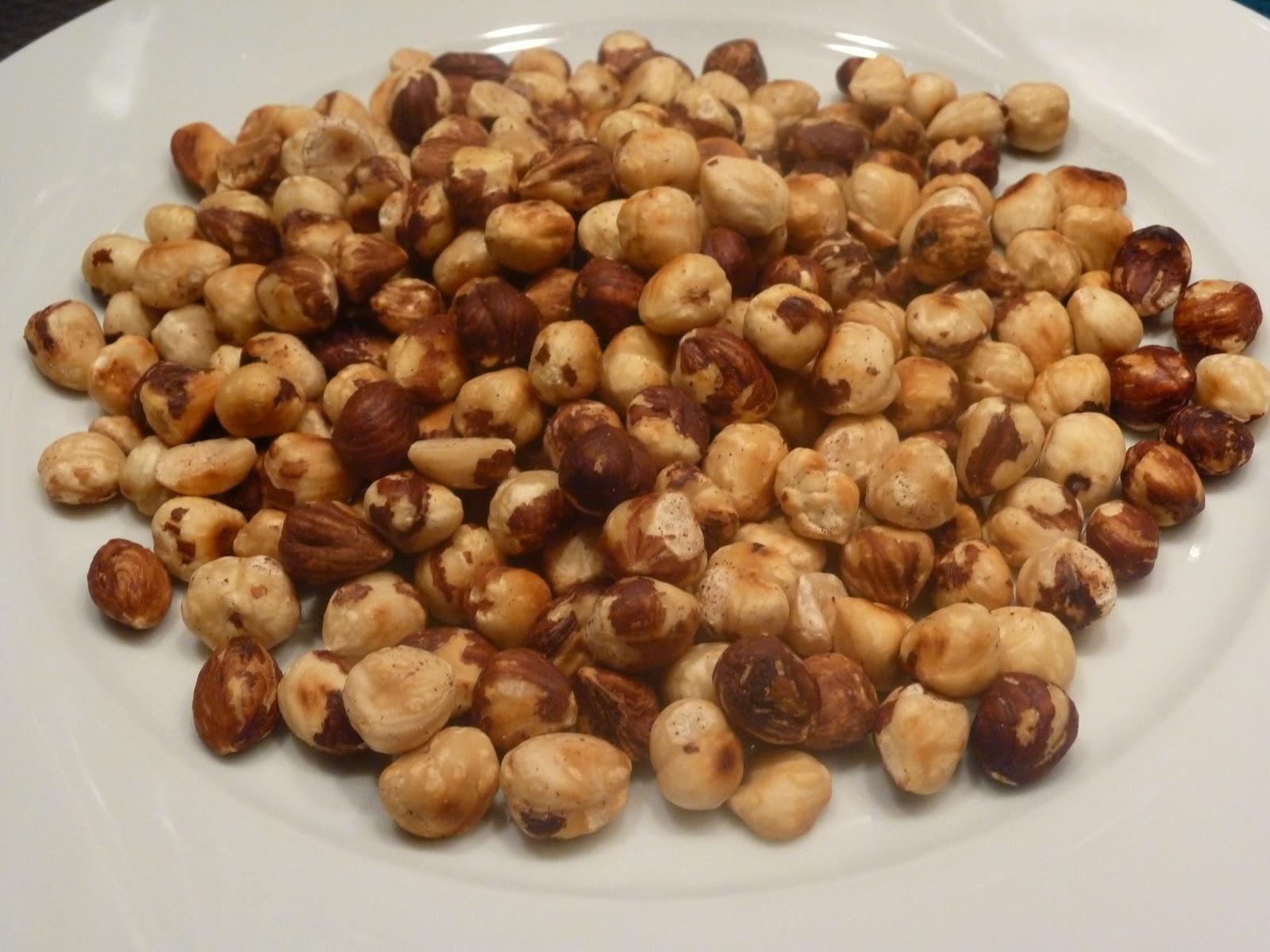 rosta hasselnötter i ugnen