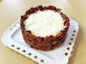 Torta crocante de chocolate com coco