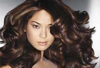 Cara Mengatasi Rambut Mengembang Secara Alami