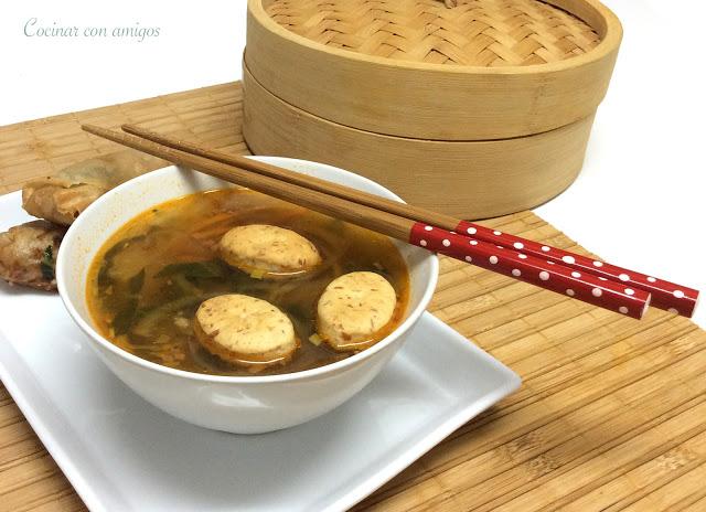 Sopa de verduras Thai
