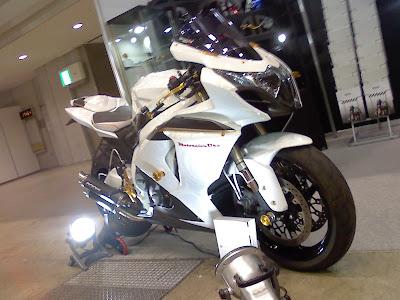 MOTOSALON OKA ブース GSX-R1000
