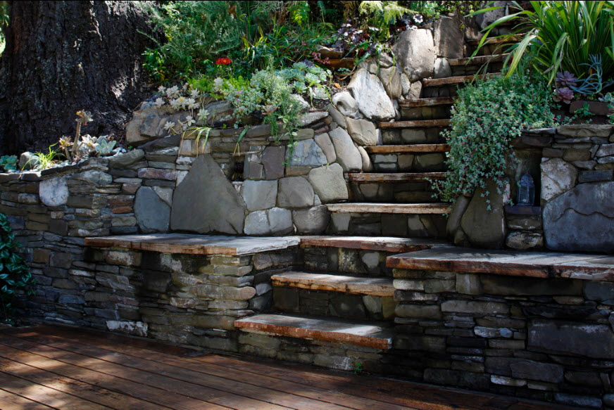 Dry stone building best rock steps for Rock wall garden designs
