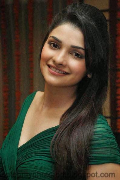 Most+Beautiful+Hot+Photos+of+Prachi+Desai028