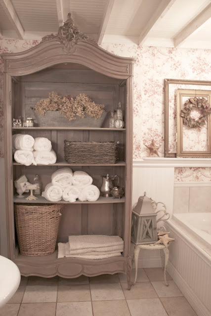 Diy by design fall into fall it 39 s a party 34 for Country cottage bathroom design ideas