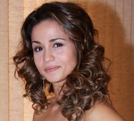 Nanda Costa Estilo de cabelos das atrizes