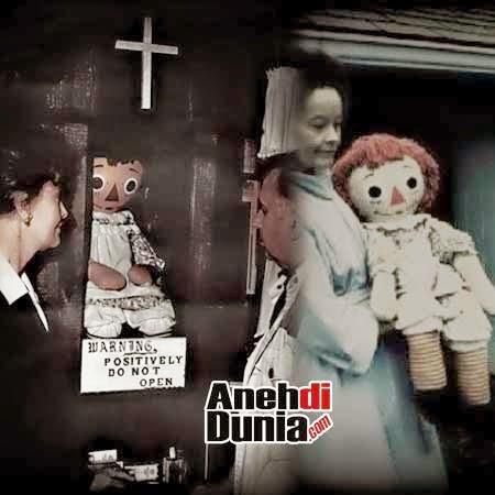 Foto Boneka Annabele asli
