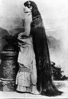 Gaya Rambut Wanita Terpanjang