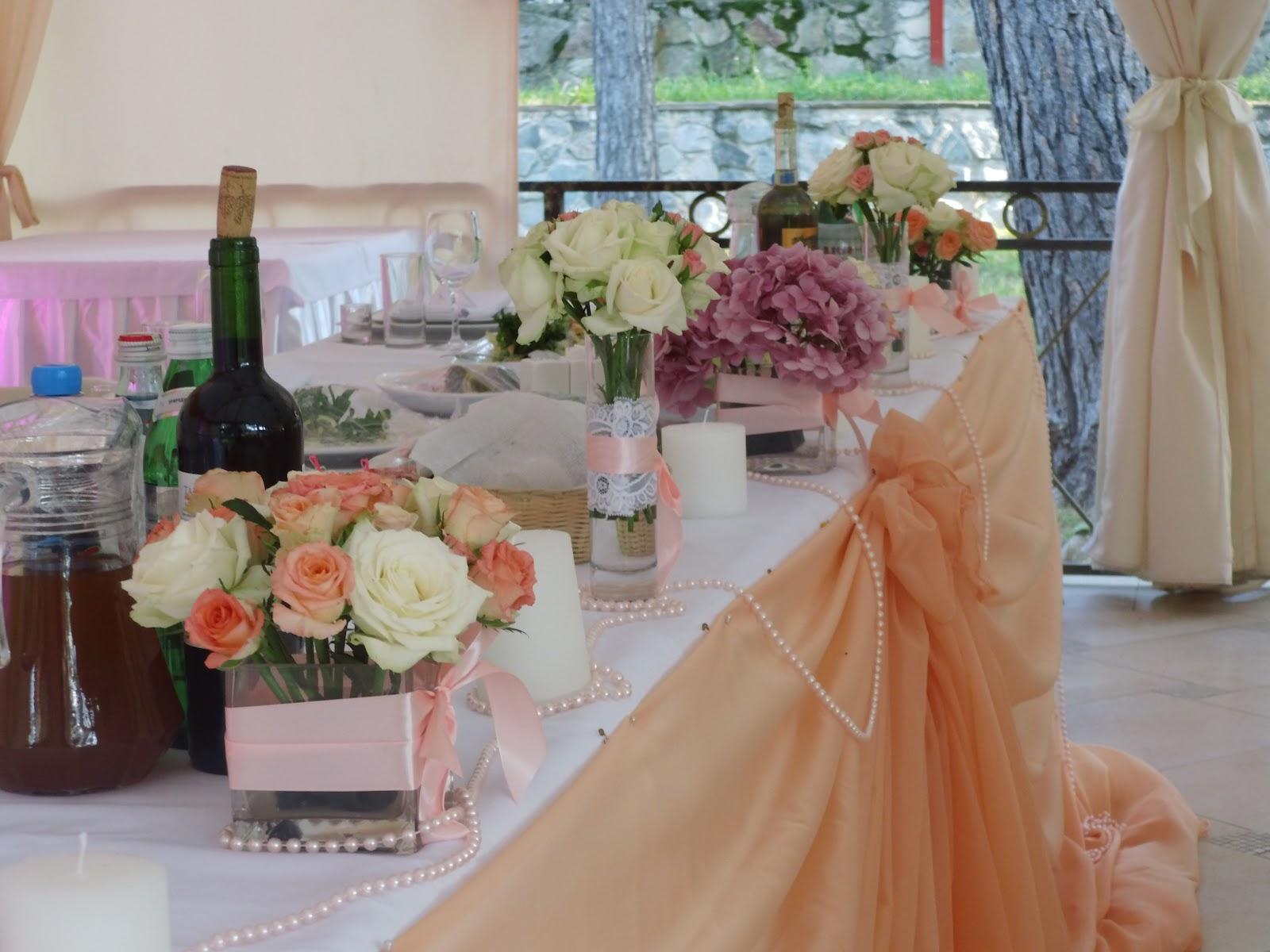 Украшения столов на свадьбу цветами своими руками